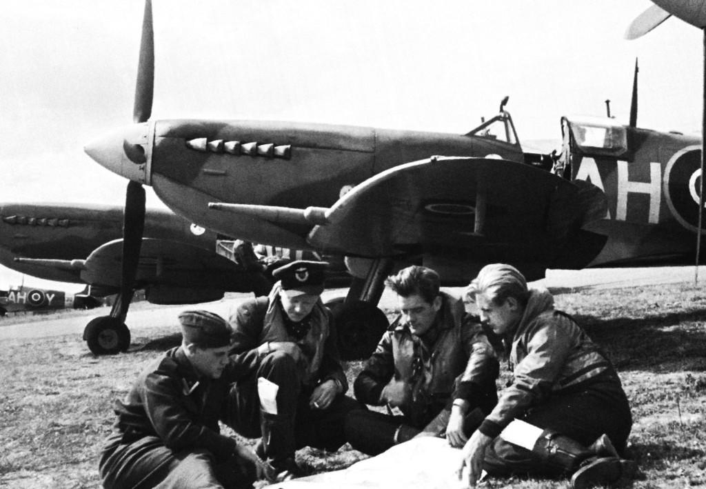 Norwegian Spitfire pilots