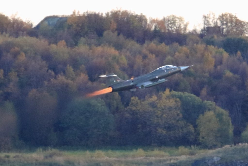 Eskil Amdal takes off with the F-108 Starfighter